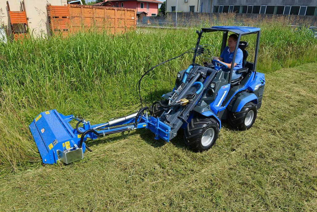 MultiOne mini loader 6 series with flail mower whit side shift