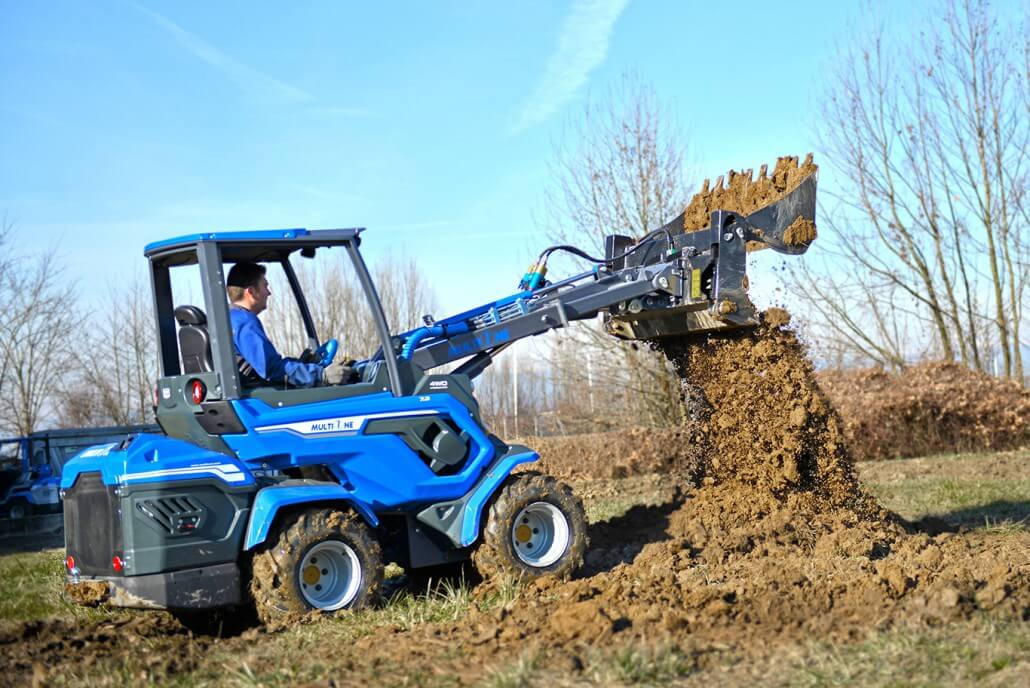 MultiOne mini loader 7 series with multipurpose bucket2